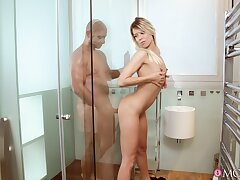 Addictive shower sex leads young comme �a to smashing orgasms