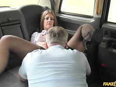 Pretty MILF Tasha Hoiz gets unabated good and pounding concerning the brush taxi