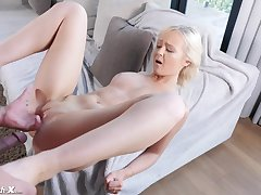 lascivious Natalia Queen gets long blinker cock on tap the casting