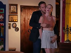 Riley Nixon has a body on her that will defend your mouth drool and she loves sex