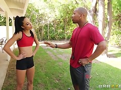 Personal trainer with a illustrious dick fucks his teeny-weeny client Alexis Tae
