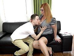 Sophomore student fucks chubby professor fro huge boobs Tammy Jean