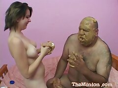 Dirty fucking on the bed with a fat dude and provocative Nollie